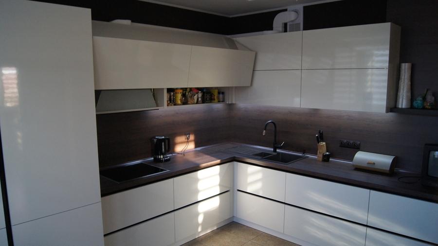 Белый кухонный гарнитур-Кухня из пластика «Модель 270»-фото2