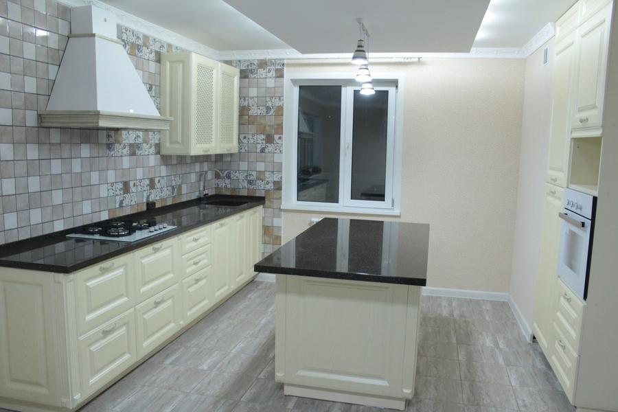 Белый кухонный гарнитур-Кухня МДФ в ПВХ «Модель 495»-фото1