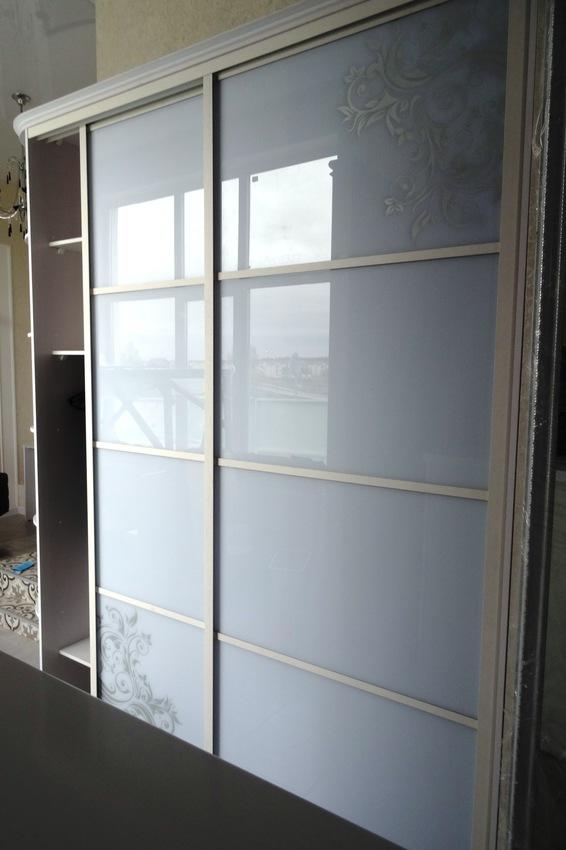 Бельевой шкаф-купе-Шкаф-купе из стекла Лакобель «Модель 458»-фото2