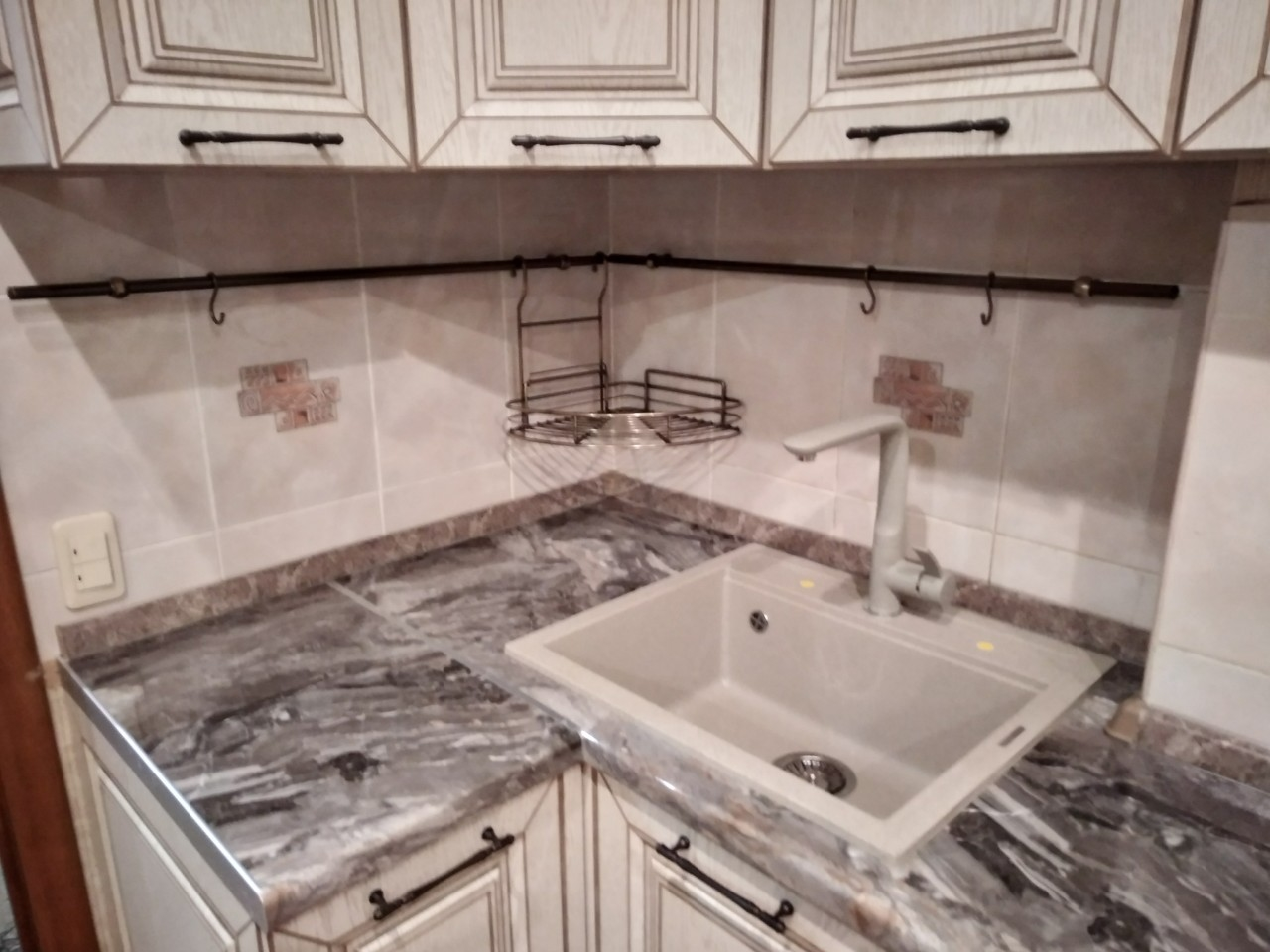 Белый кухонный гарнитур-Кухня МДФ в ПВХ «Модель 547»-фото5