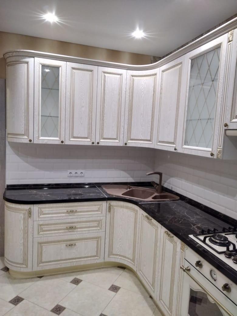 Белый кухонный гарнитур-Кухня из шпона «Модель 581»-фото2