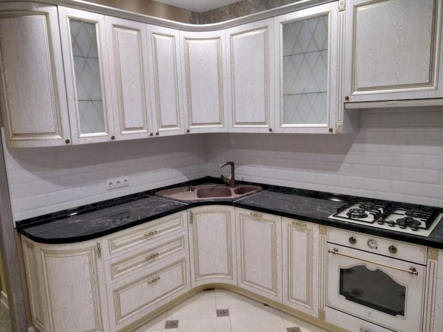 Белый кухонный гарнитур-Кухня из шпона «Модель 581»-фото3